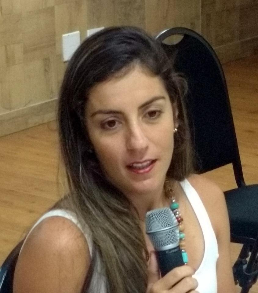 ADRIANA VASCONCELOS